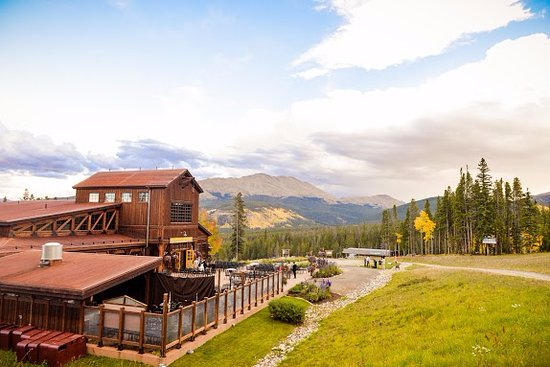 tenmile-station-in-summer