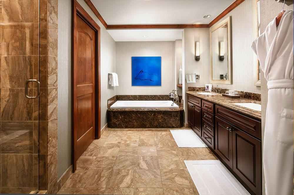 whrlh-bathroom-50659374